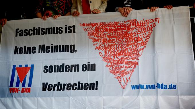 Foto_transparent.faschismusistkeinemeinung_via.vvn-bda.de