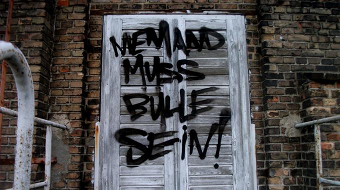 Foto_Graffiti_niemandmussbullesein
